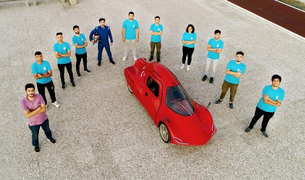 Üniversitemizin elektrikli aracı 'Simurg' TEKNOFEST'ten Ödülle Döndü